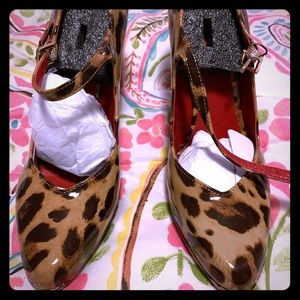Size 8 animal print Mary Jane style heels